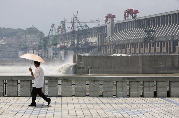 Tourist Industry Taps Into The Three Gorges Dam