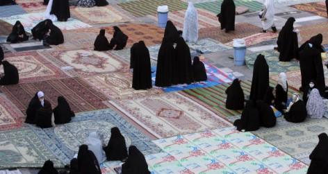 Muslims Around The World Celebrate Eid al-Fitr