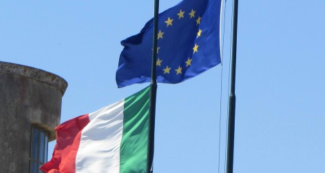 -_12_-_ITALY_-_3_-_Flag_of_Italy_and_Europe_(_European_Union_)_IT_e_UE 1