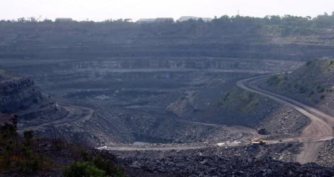 Coal_mine_in_Dhanbad,_India